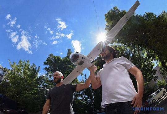 український дрон на сонячних батареях